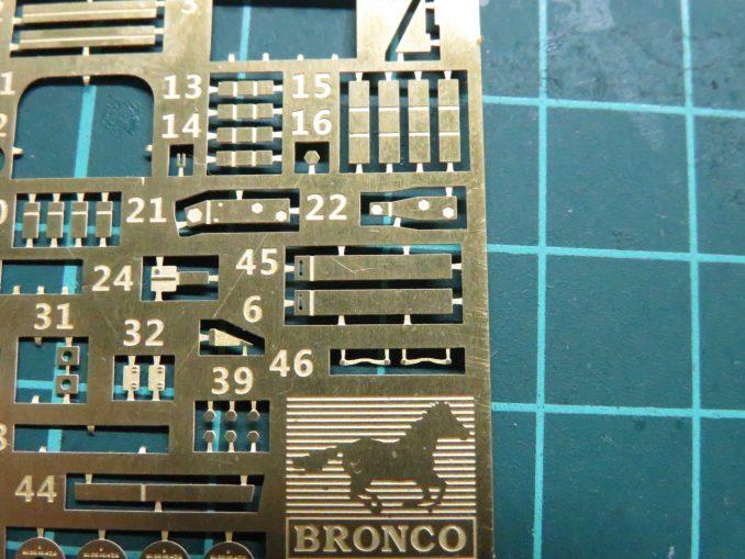 フラックワーゲン Flak41の信管設定装置の組み立て エッチングパーツのナンバリングミス2