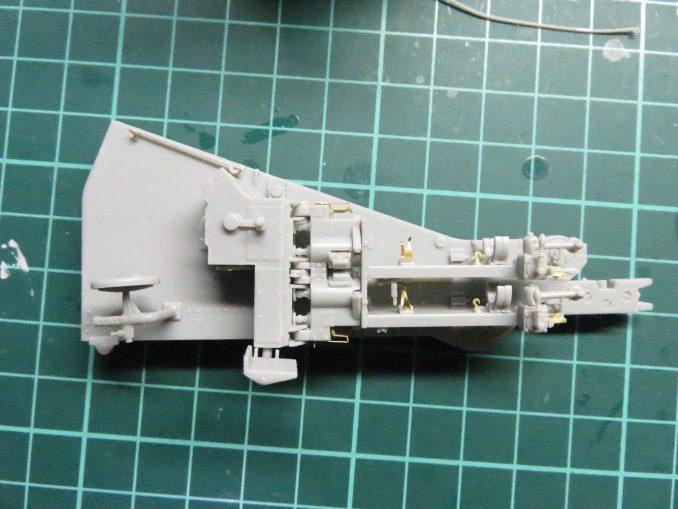 フラックワーゲン Flak41の砲架へ信管設定装置の取り付ける