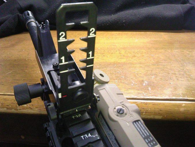 M16A4に装着したリーフサイト2