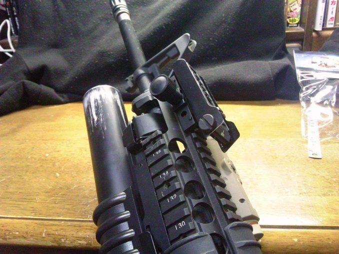 M16A4に装着したリーフサイト3