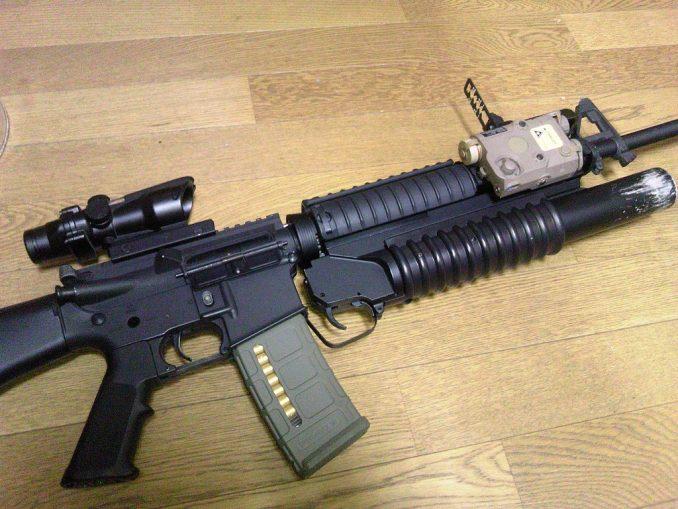 M16A4に装着したリーフサイト フロント部分2