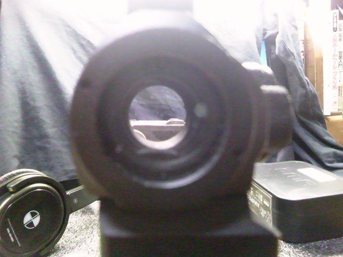 M4のトップレイルにPEQ-15を装着したときのダットサイトの視野