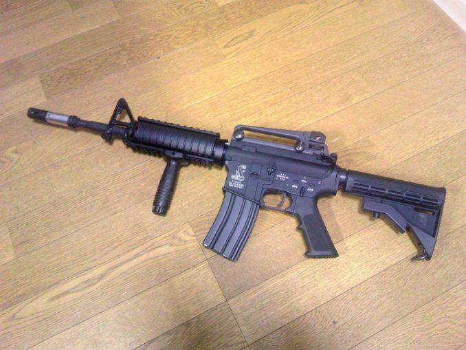 M4A1 バーティカルフォアグリップ装着2