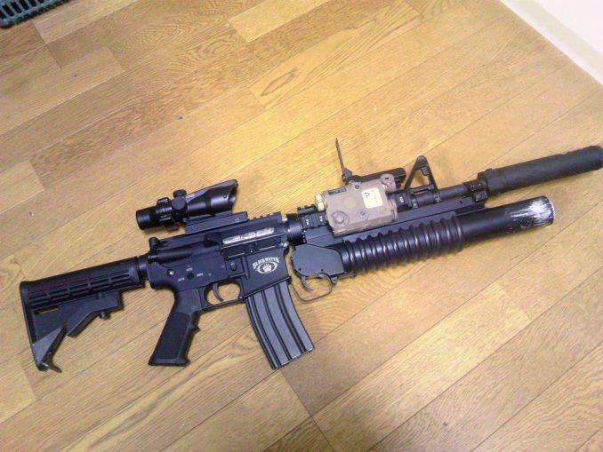 M4A1 M203&リーフサイト装着2