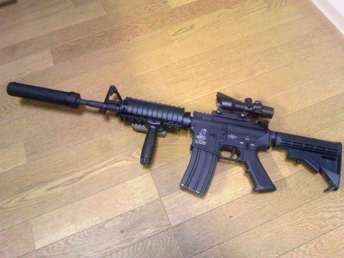 M4A1 PEQ-15装着