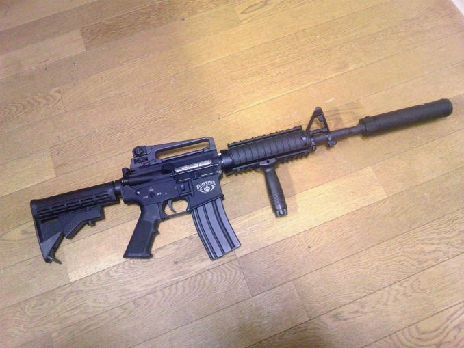 M4A1 QDサプレッサー装着