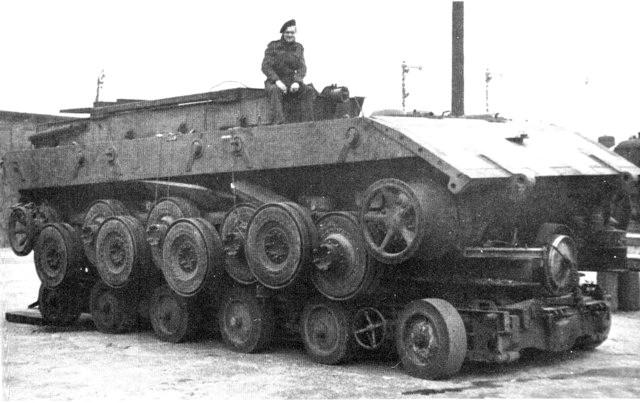 E-100 車体