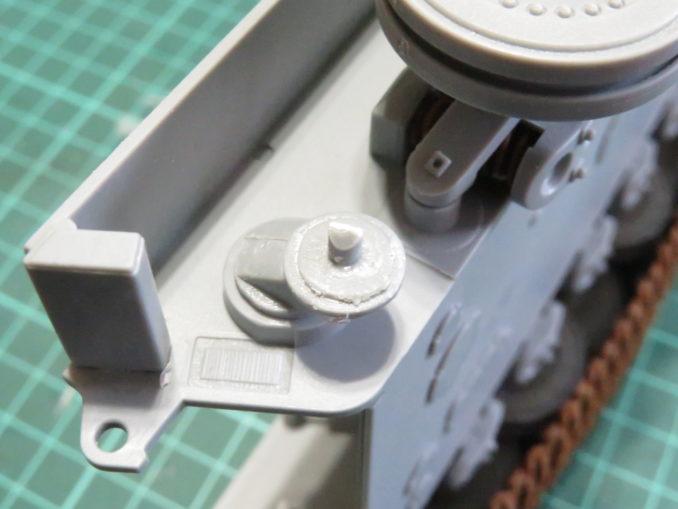 E-100対空戦車 遊動輪基部の軸の追加