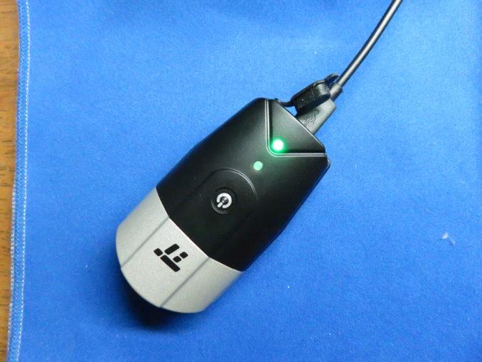 TaoTronics USB充電式ライト(TT-HP007) フロントライト パワーインジケーター(満充電のとき)