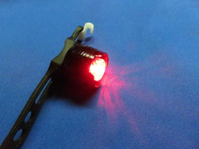 TaoTronics テールライト テスト点灯