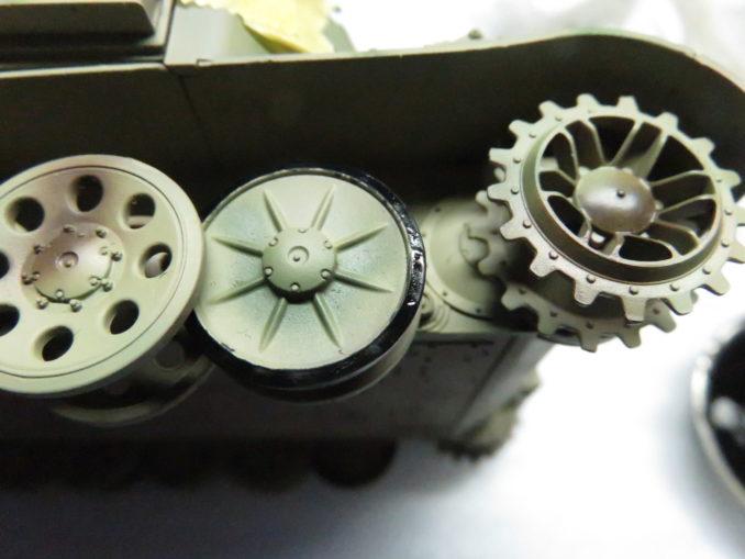 フラックワーゲン 転輪ゴムの塗装2