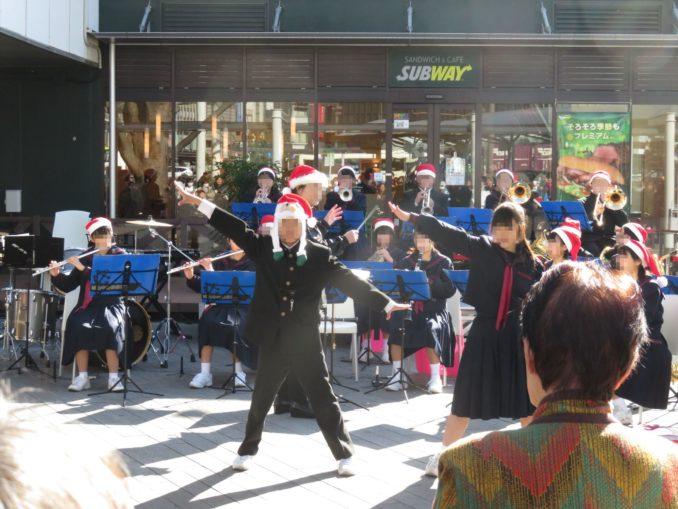 静岡駅の吹奏楽部の演奏 2017年12月24日