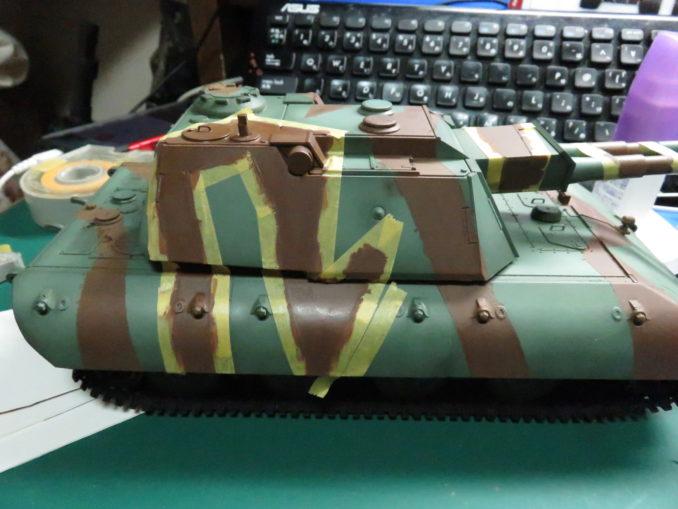 E-100 対空戦車 ストライプ迷彩 レッドブラウン筆塗り 長い模様を描くとき