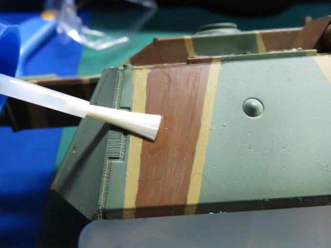 E-100 対空戦車 デカールを貼る場所にマークセッターを塗る