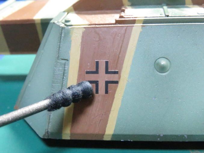 flakpanzer-e1E-100 対空戦車 デカールを貼りつける