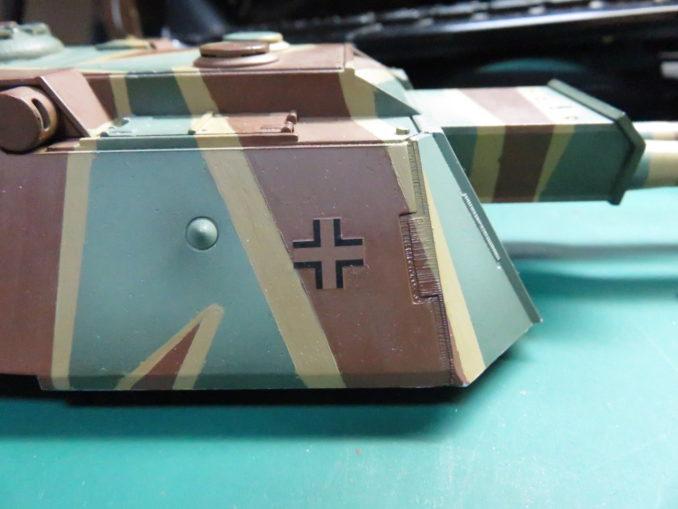 flakpanzer-e1E-100 対空戦車 砲塔の反対側にもデカールを貼りつける