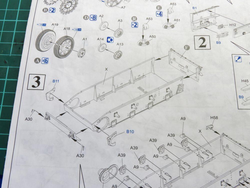 4号戦車 J型(中期) フロントパネルの組み立て