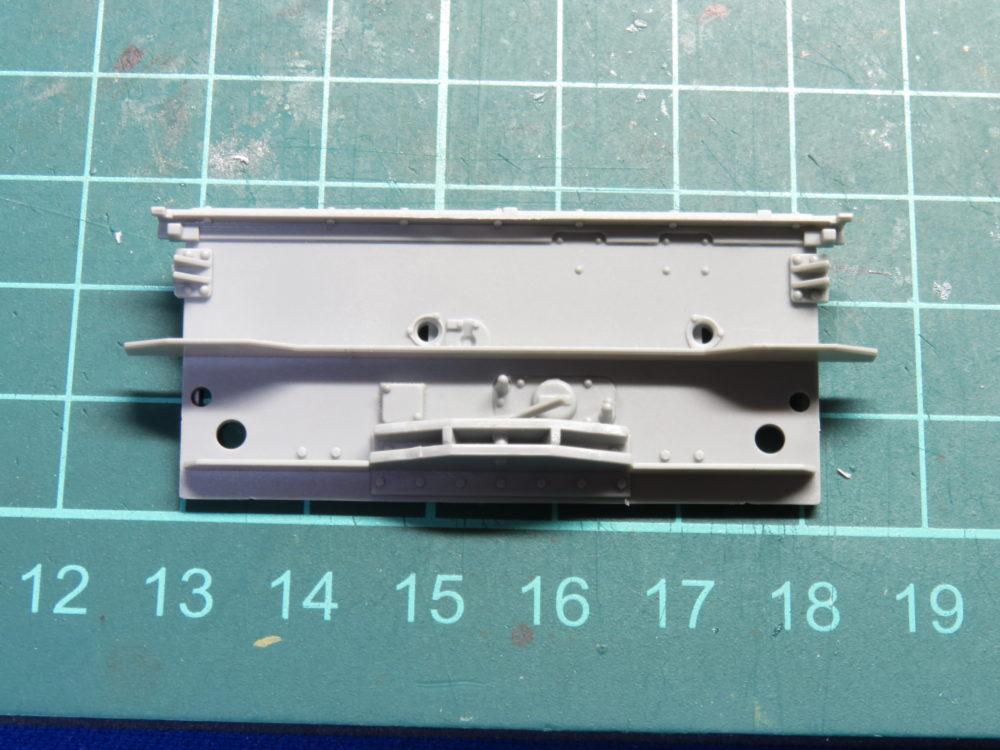 4号戦車 J型(中期) リアパネルのベースの組み立て