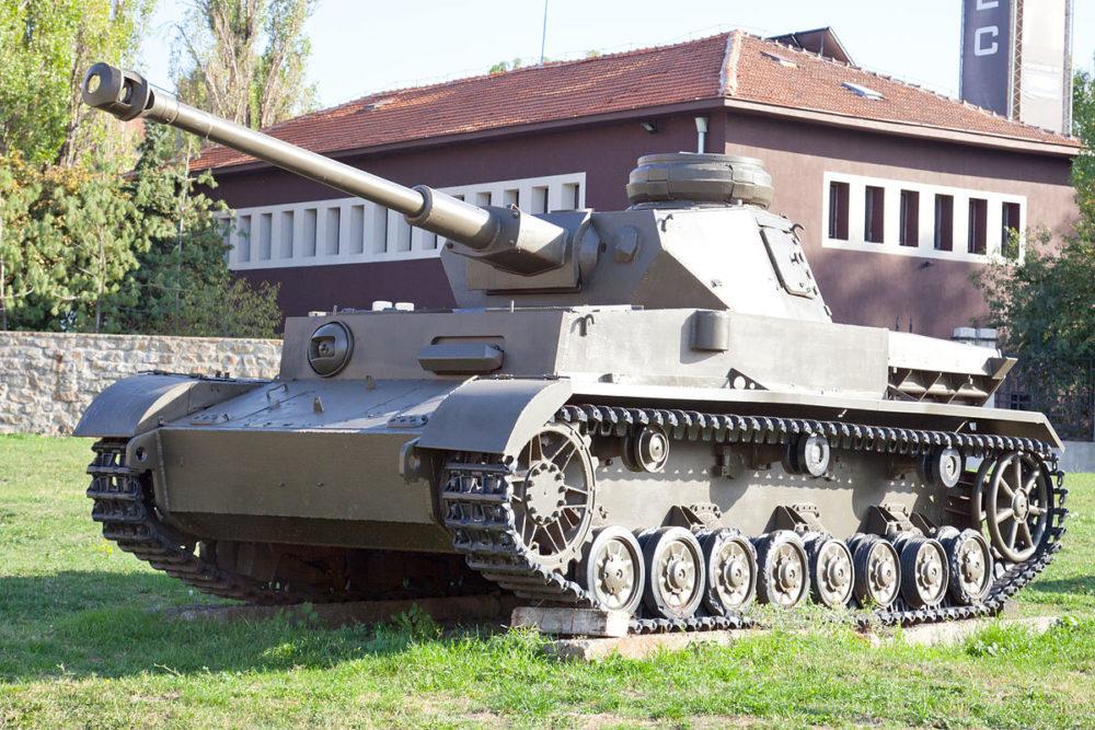 ブルガリアの軍事史博物館に展示されている4号戦車 J型