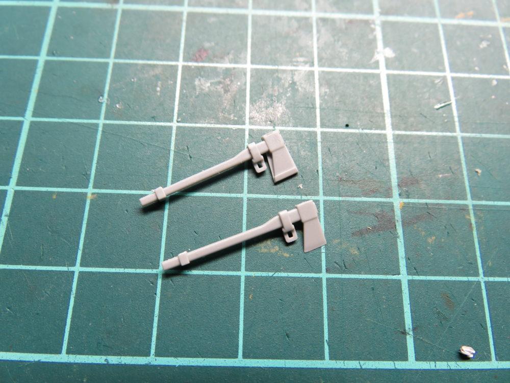 4号戦車 J型(中期型) 手斧パーツの形状の違い