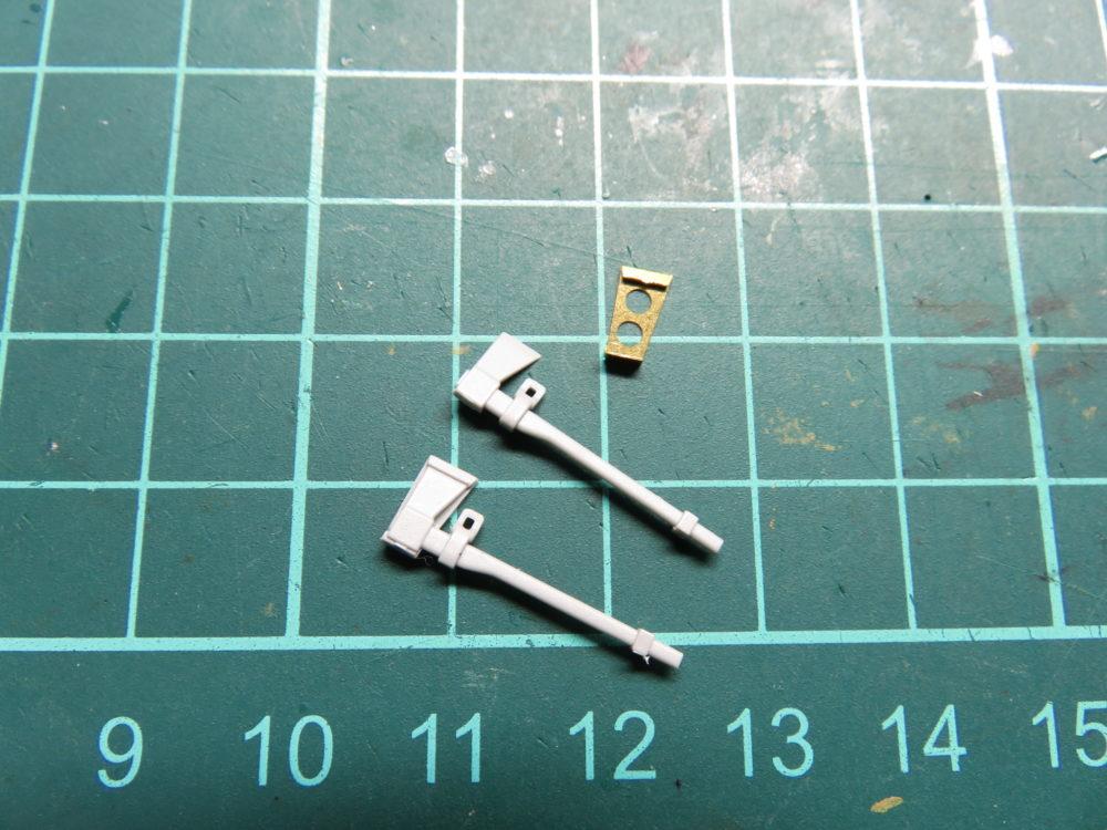 4号戦車 J型(中期型) 手斧パーツ 取り付け金具のエッチング