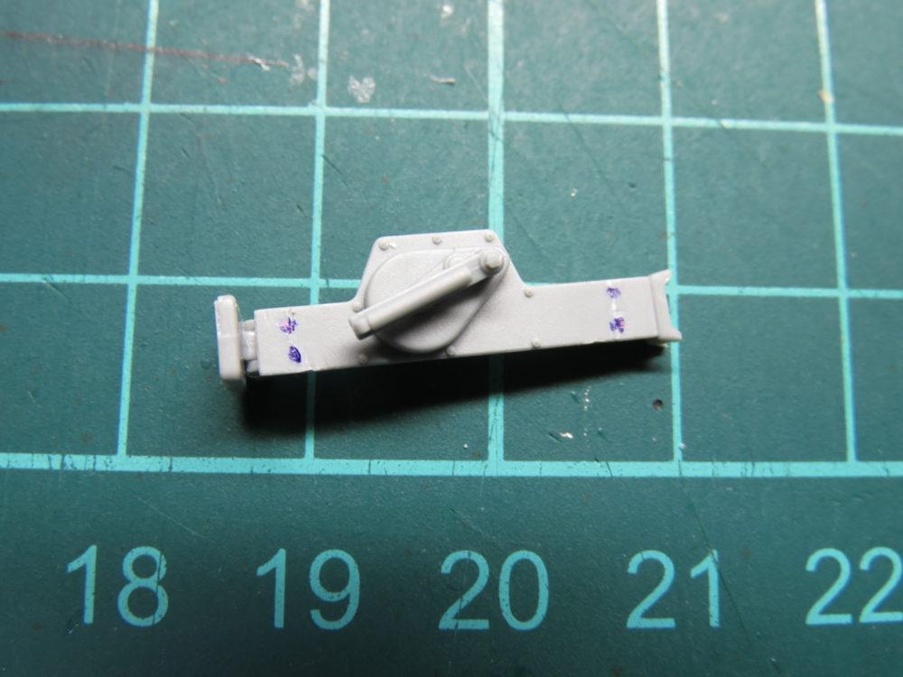 4号戦車 J型(中期型) ジャッキに取っ手をつける