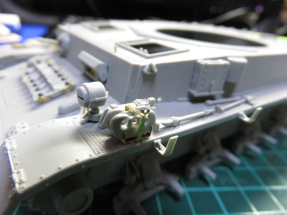 4号戦車 J型(中期型) 牽引シャックルのラックの取り付け