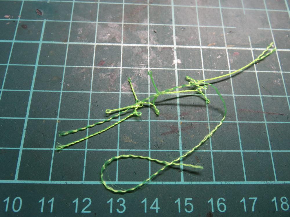 4号戦車 J型(中期型) 車体上部、後面装甲板に取り付ける牽引ロープを水糸で作る。糸のほつれ