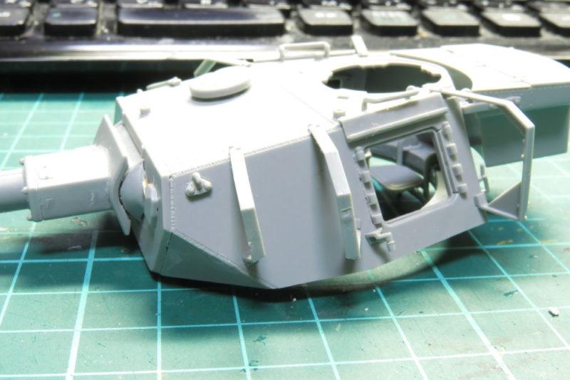 4号戦車 J型 砲塔シュルツェンの組み立て シュルツェン架の取り付け