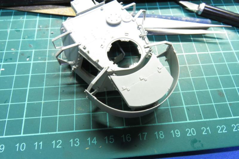 4号戦車 J型 砲塔シュルツェンの取り付け