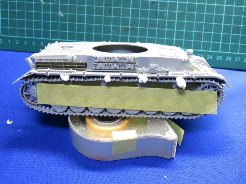 4号戦車 J型 マジックトラックの組み立て 履帯にたるみをつける