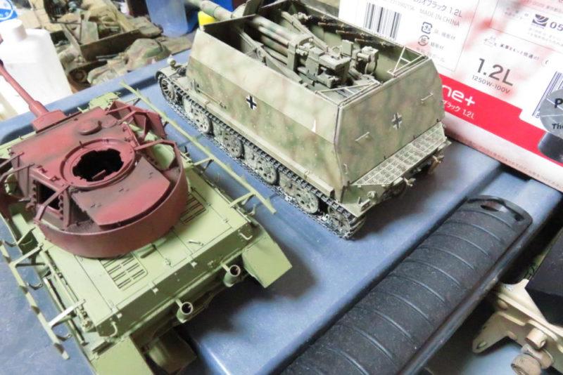 4号戦車 J型 同じドゥンケルゲルプなのにこんなに色が違う