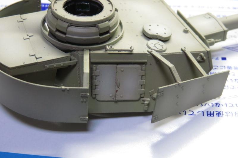 4号戦車 J型 砲塔のハッチを可動式にする2