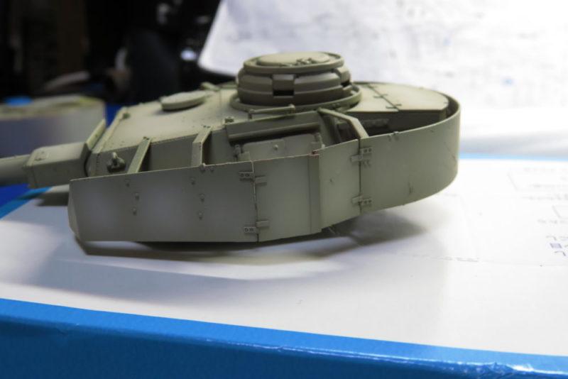 4号戦車 J型 砲塔のハッチを可動式にする4