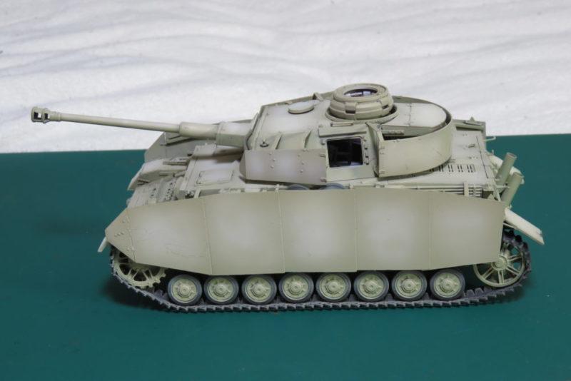 4号戦車 J型 車体基本色のハイライト塗装2