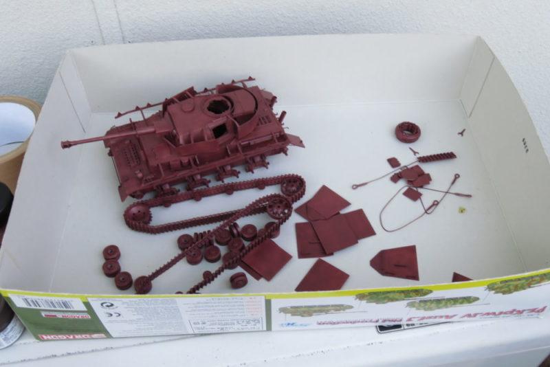 4号戦車 J型 サーフェイサーEVOを吹き付ける 下地塗装完了