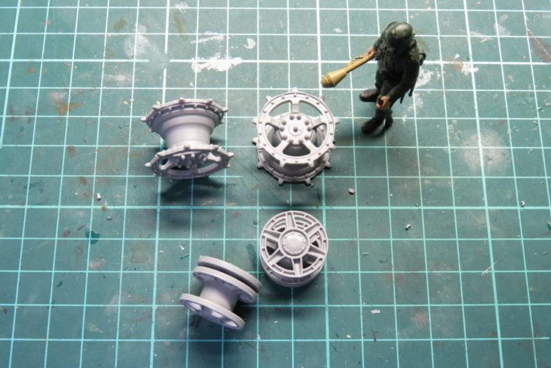 キングタイガー 転輪の組み立て 誘導輪と起動輪