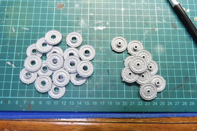 キングタイガー 転輪の組み立て 転輪パーツ