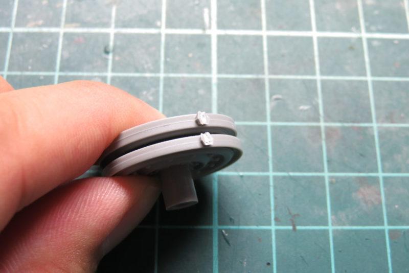 キングタイガー 転輪の組み立て 転輪の整形