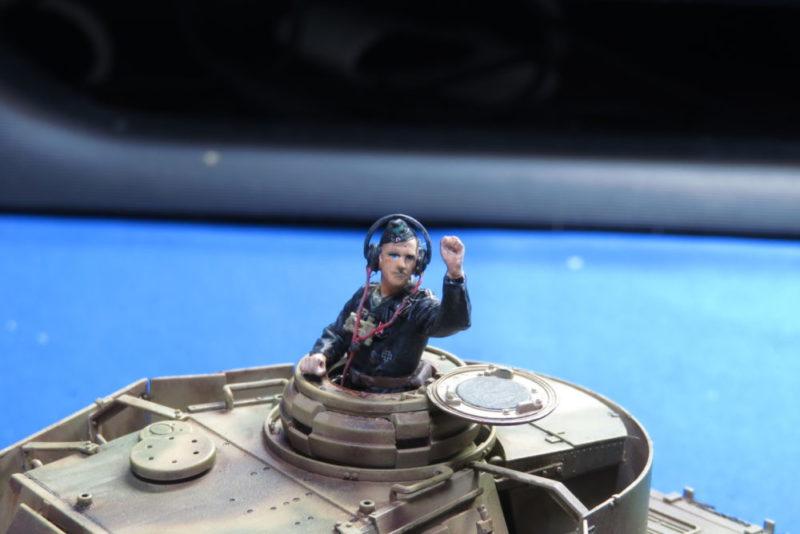 4号戦車 J型 戦車長フィギュア2