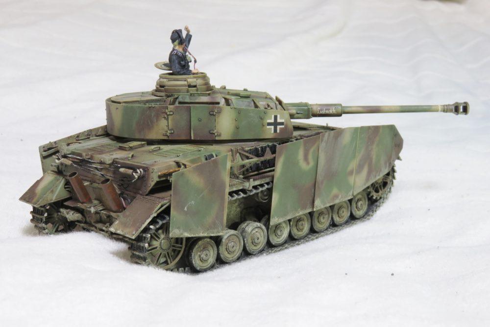 4号戦車 J型 戦車長フィギュア3