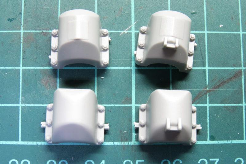 キングタイガー リアパネルの組み立て 排気管装甲カバーの違い