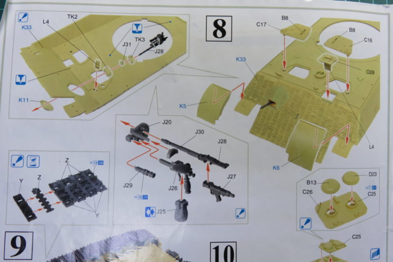 キングタイガー 車体上部(前部) 車載器獣の組み立て