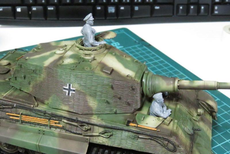 ドイツ国防軍 戦車兵セット キングタイガーに乗せる2
