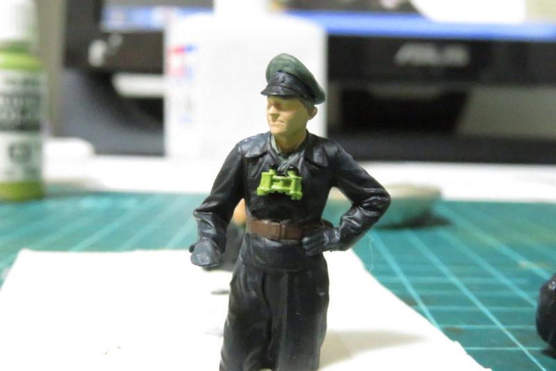 タミヤ ドイツ国防軍 戦車兵セット 双眼鏡の塗装