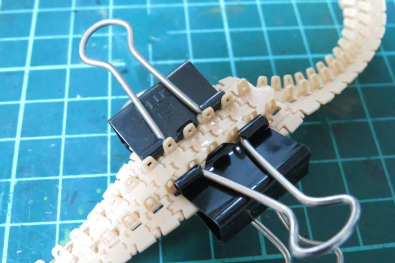 パンターD型 V2 履帯の接着