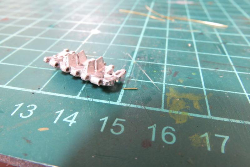 フリウル 金属履帯の組み立て 履板をワイヤーで固定する3