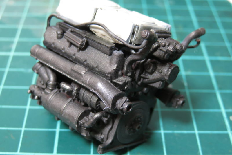 グリレ17 車内の塗装 エンジンの塗り分け