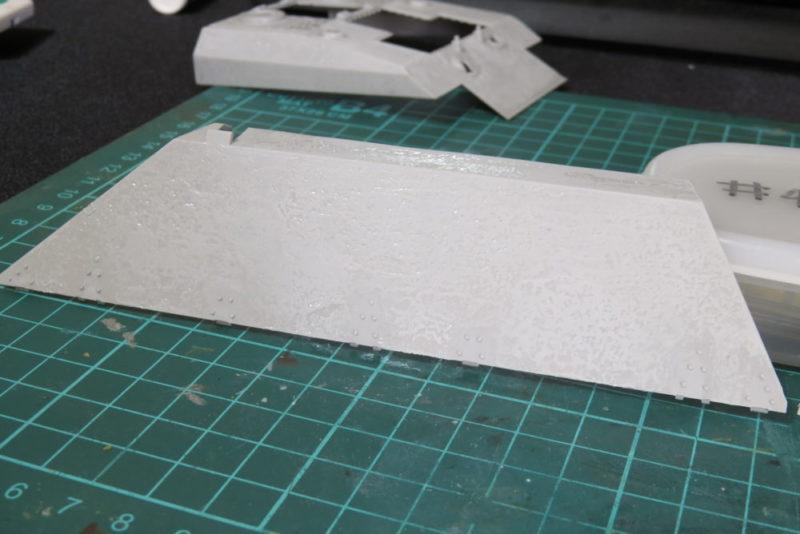 グリレ17 側面装甲板(上部)の組み立て 装甲板表面のディテールアップ2