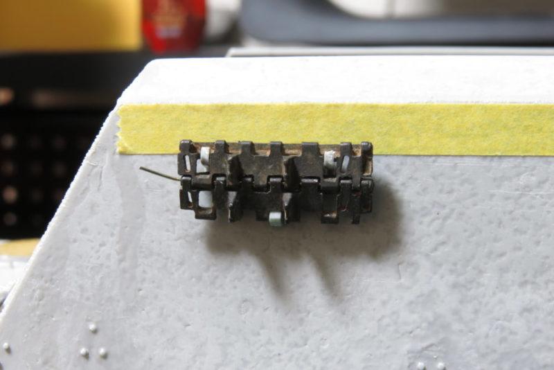 グリレ17 予備履帯ラックの取り付け3